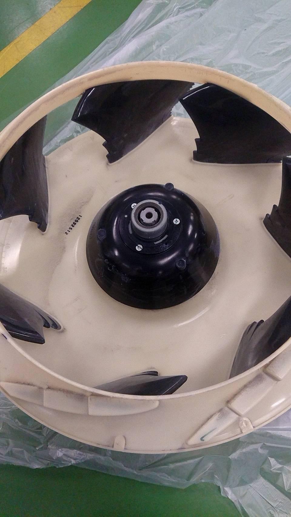 天井埋め込み型4方向タイプエアコンクリーニング №18